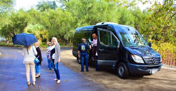 Group getting out of a sprinter van